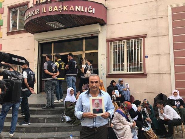Cabir Taş'ın kızı Ece Taş, 2015'te 14 yaşındayken dağa kaçırıldı.