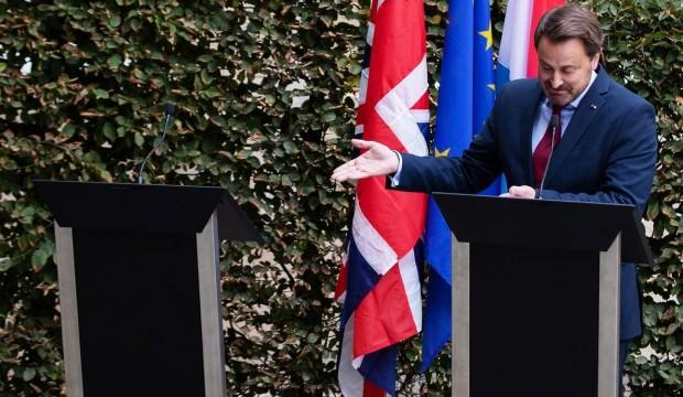 Günün karesi! Başbakan küstü, kürsüye çıkmadı