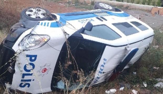 Kocaeli'de ekip otosu devrildi: 2 polis yaralı
