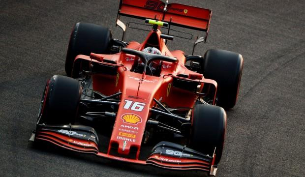 Singapur'da pole pozisyonu Leclerc'in