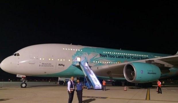 Tatil için Muğla'nın bazı ilçelerine gelen İngiliz turistlerin ülkesine dönmesi için İngiliz Sivil Havacılık Kurumu tarafından tahsis edilen 471 koltuk kapasiteli yolcu uçağı, Dalaman'daki 222 Thomas Cook yolcusunu Londra'da Gatwick Havalimanı'na götürmek üzere havalandı.
