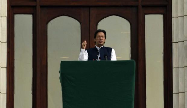 Pakistan Başbakanı Han: Modi'nin maskesini düşürmeye devam edeceğiz