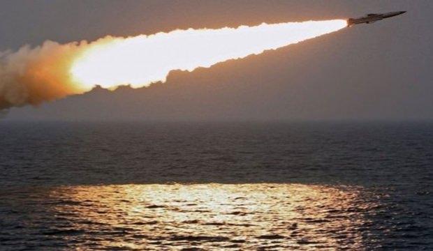 Rus donanması Karadeniz'de! Füze ateşlediler