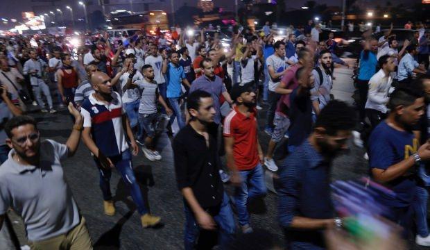 Mısır'da 2 bin kişiye gözaltı!