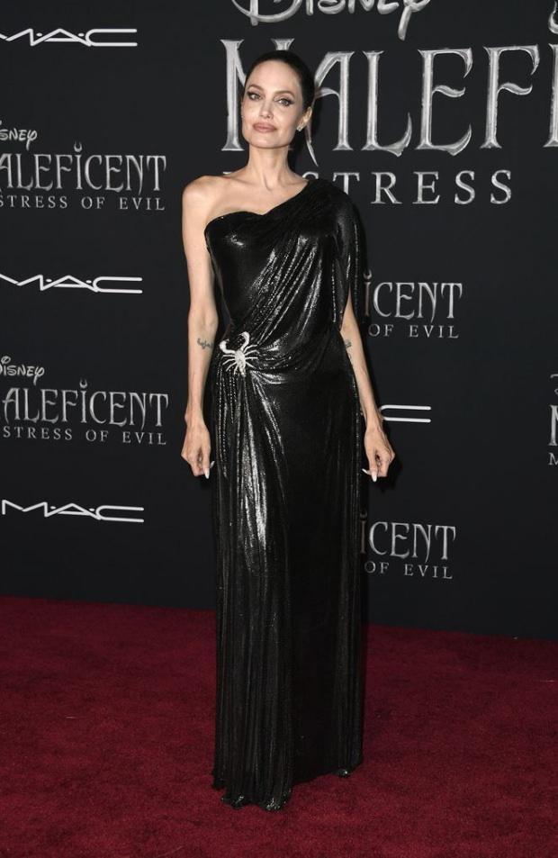 Angelina Jolie Maleficent filmi galası