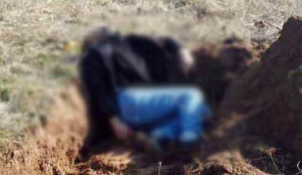 Ölen komşusu için mezar kazarken öldü