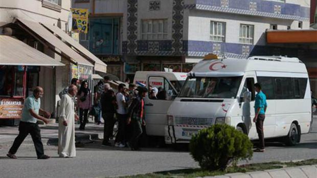 Hain saldırının ardından olay yerine ambulanslar sevk edildi