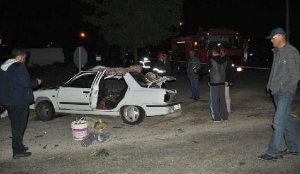 Bursa'da otomobiller çarpıştı: 2 ölü, 2 yaralı