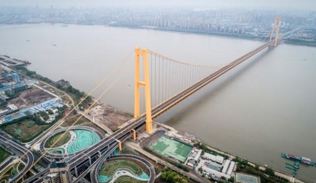 Dünyanın en uzun çift katlı köprüsü trafiğe açıldı