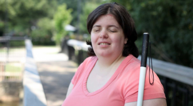 Görme engelli kadın