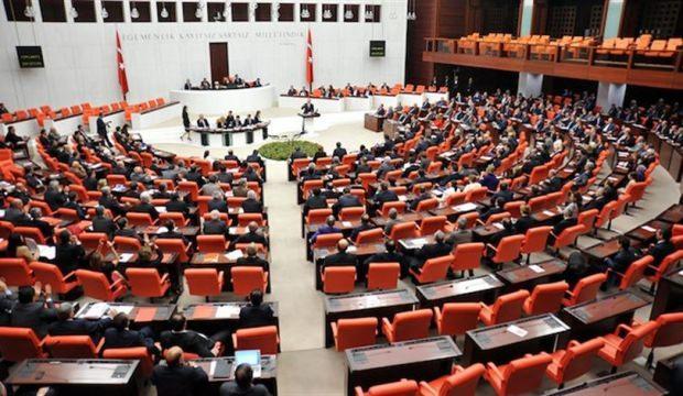 AK Parti, 95 maddelik yeni yasa teklifini Meclis'e sundu