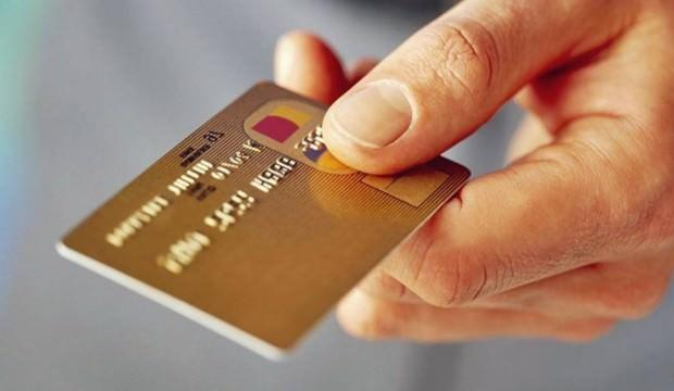 Kredi kartı kullanımı kontrollü artıyor