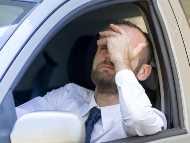 gerilim ve küme tipi baş ağrısı nedenleri