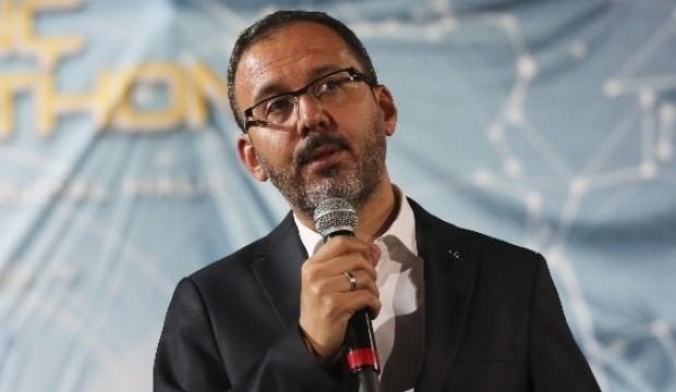 Bakan Kasapoğlu'dan Eczacıbaşı VitrA'ya tebrik