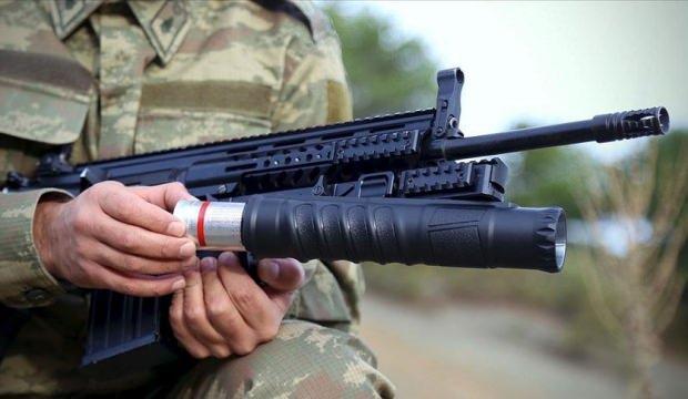 """Operasyon sürerken üretim tamamlandı! """"AK40-GL"""" TSK'ya teslim edildi"""