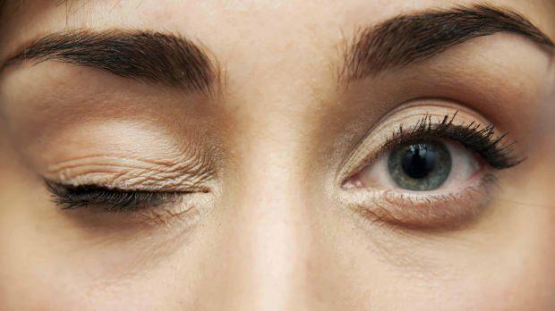 göz seğirmesi neden olur