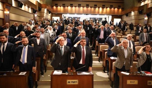 İBB Meclisi'nden asker selamı