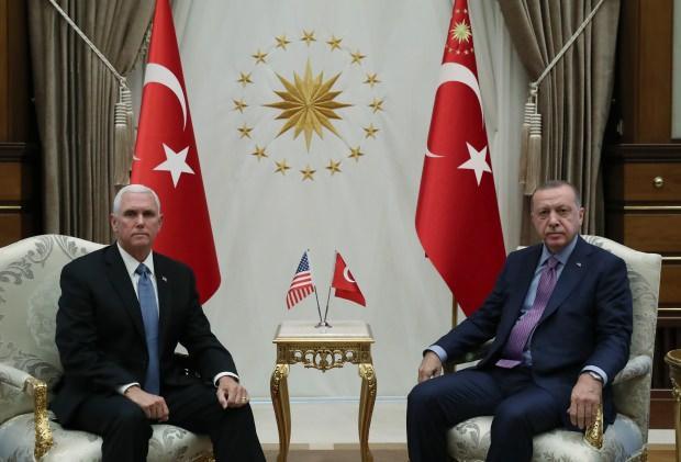 Cumhurbaşkanı Recep Tayyip Erdoğan, dün ABD Başkan Yardımcısı Mike Pence'i kabul etti. Görüşme 1 saat 40 dakika sürdü