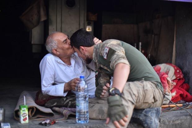 SMO askeri ve bölge halkının kucaklaşması...
