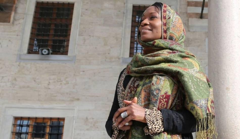 ABD'li sanatçı Della Miles Şanlıurfa Akçakaleye gitti!