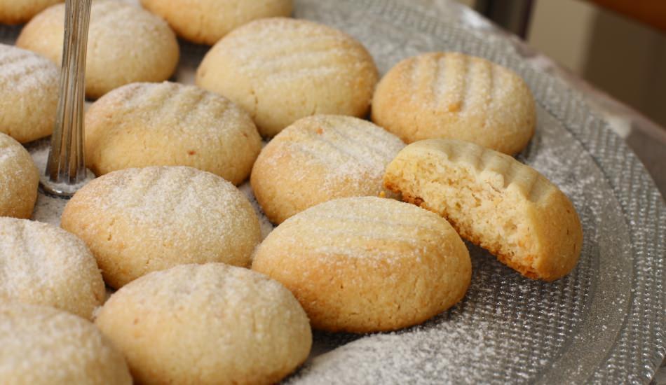 Ağızda dağılan tatlı kurabiye tarifi