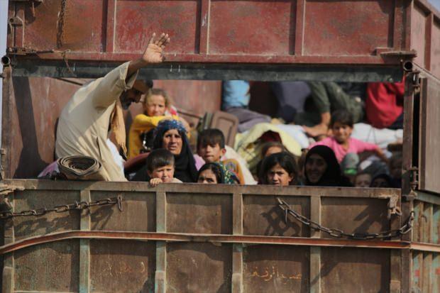 Suriyeliler operasyon sonrası memleketlerine dönüyor...