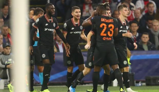 Chelsea, Ajax'ın ünvanını söktü