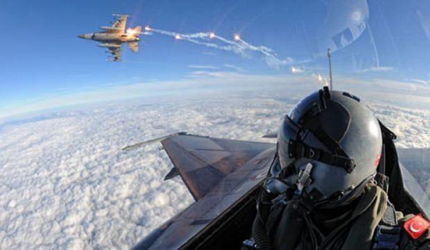 Hem havayolunda hem F-16'da uçmaya başlayacaklar