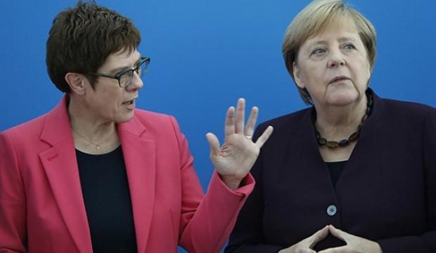 Almanya'da 'Güvenli Bölge' çatlağı!