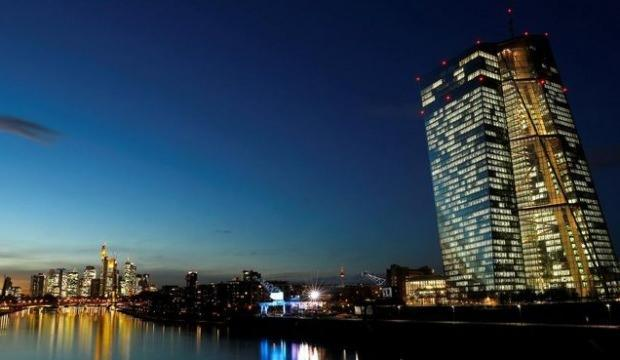 'Euro Bölgesi'nde bankalar kredi şartlarını gevşetti'