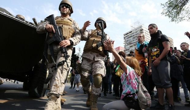 Şili Devlet Başkanı protestoculardan özür diledi!