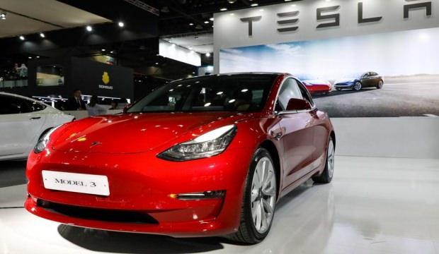 Tesla Model 3'ün fiyatını açıkladı