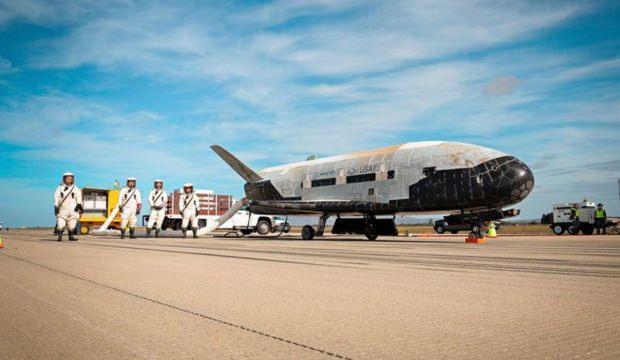 Uzay uçağı X-37B yörünge seferini tamamladı