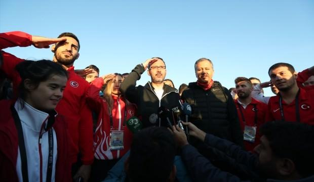 'Gençlerimizin, Mehmetçiğimize olan sempatisini durduramayacaklar'