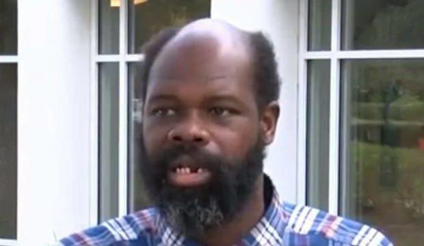 Engelli siyah adam 17 yıl boyunca kırbaçlanıp köle gibi çalıştırıldı