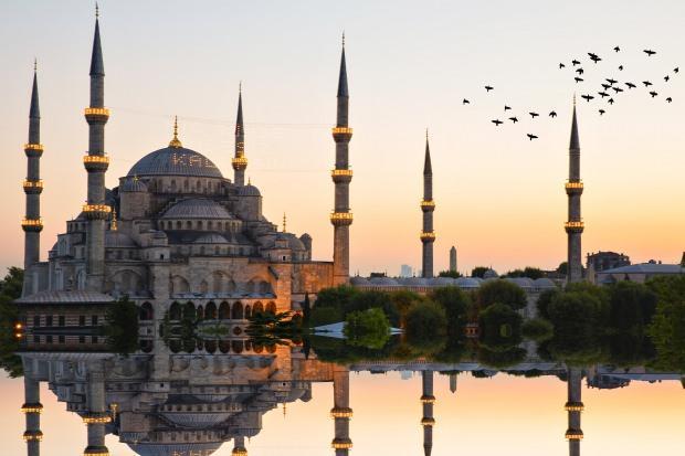 Camiye girerken ve çıkarken okunacak dua