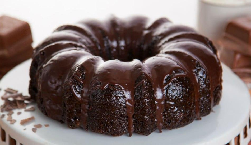 En kolay çikolatalı kek tarifi