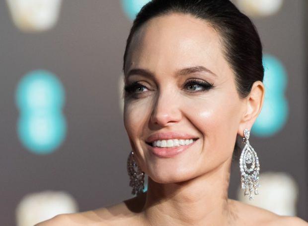 Angelina Jolie paylaşımları