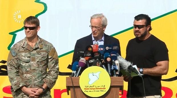 William V. Roebuck, sık sık PKK/YPG'nin toplantılarına katılıyor...