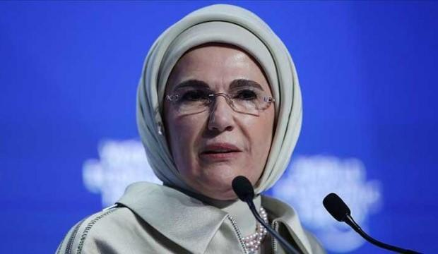 Başkan Erdoğan'ın eşi Emine Erdoğan 'Geleceğe Nefes' kampanyasına destek verdi!