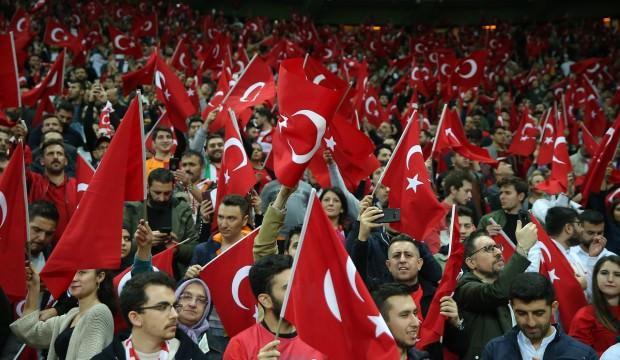 Türkiye - İzlanda maçında 48 bin taraftar!