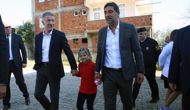 Ağaoğlu ve Karaman özel çocukları ziyaret etti