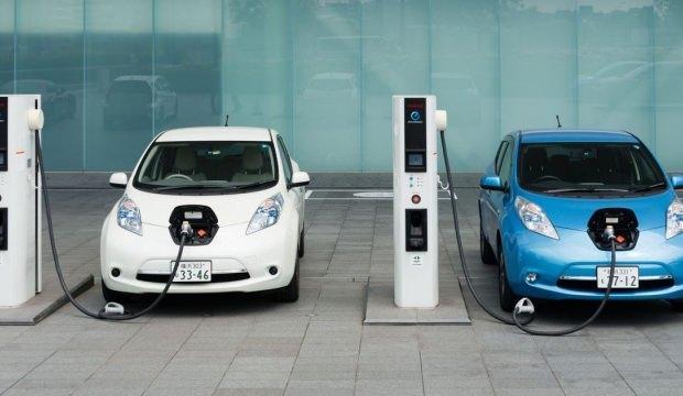 Elektrikli araçların geleceği Türkiye'de konuşuldu