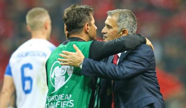 Emre Belözoğlu: Bu takımın parçası olmak büyük şeref