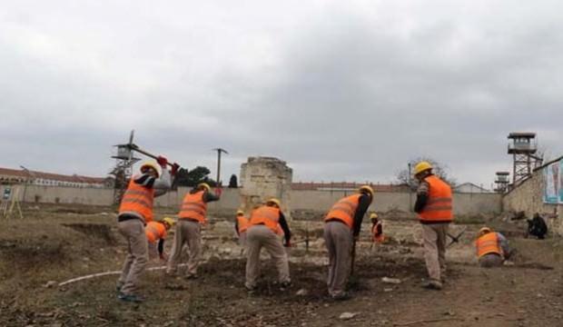 192 yıllık kayıp camiyi mahkumlar buldu