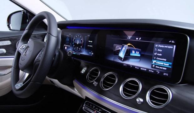 Araçlarda 3D ekran dönüşümü