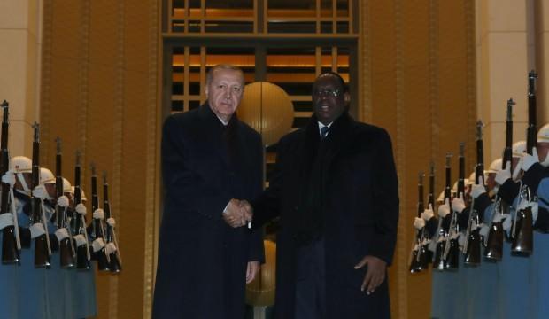 Beştepe'de önemli görüşme! Erdoğan'la bir araya geldi