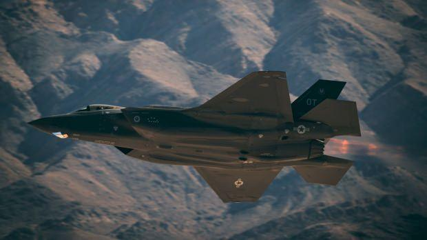 Türkiye'nin de programda çıkarılmadan önce üretim ortalığı olduğu ABD yapımı F-35 savaş uçağı...