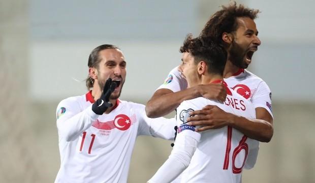 Galatasaray milli yıldızın peşine düştü!