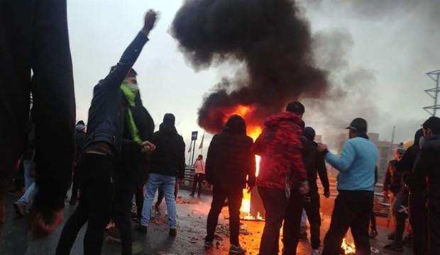 İran'da korkutan iddia! Protestolarda 200 kişi öldürüldü